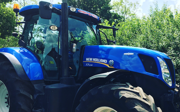 Ashley thomas agri services with Tractor 201-300 hp at Chelmarsh