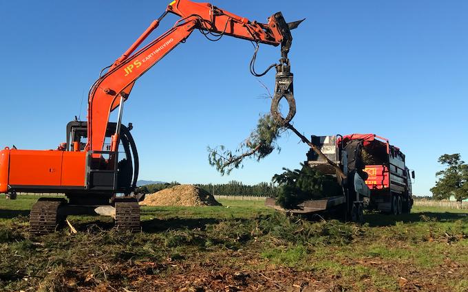 Jps earthmoving ltd with Excavator at Carterton