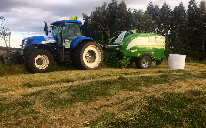 Johnstone contracting ltd with Round baler at Tokanui