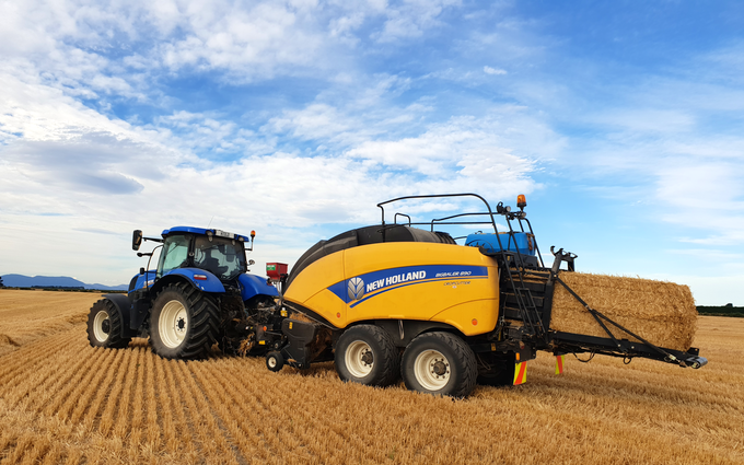 Woudenberg contracting with Large square baler at West Melton