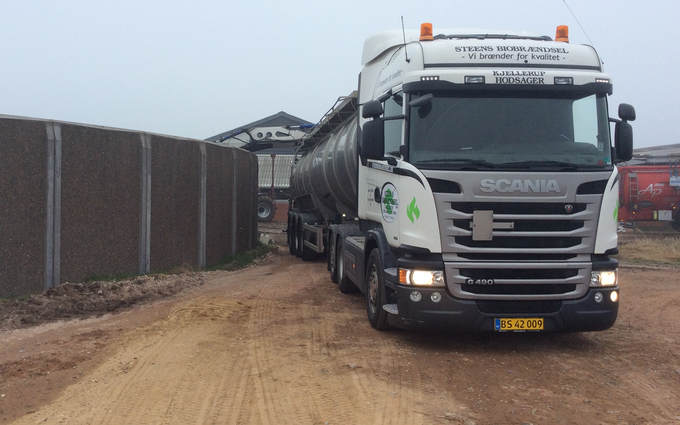 Steens biobrændsel og transport aps med Trailer ved Aulum