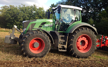 Sas groundworks with Tractor 201-300 hp at Winkfield Row
