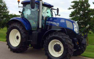 Richard pick  with Tractor 201-300 hp at Tattershall