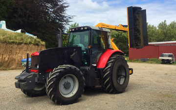 S marshall contracting limited  with Hedge cutter/mulcher at Ratapiko