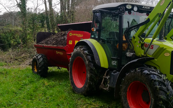 A.d.s agricultural contractors  with Manure/waste spreader at Muddiford