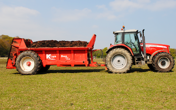 George bugden agricultural contracting with Manure/waste spreader at Woodchurch