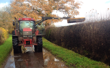 N. worth contracting with Hedge cutter at United Kingdom