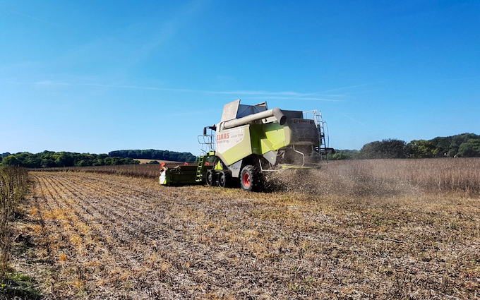 Richard taylor travel  with Combine harvester at Saint Ippolyts