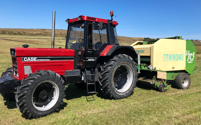 M. eckert contracting with Round baler at Flash