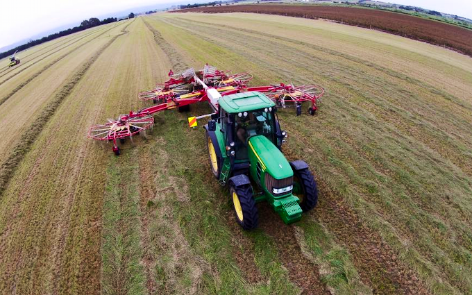 Bleeker ag services with Rake at Otaio