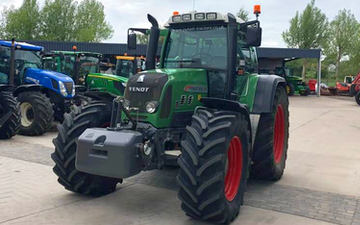 Dan ablewhite  with Tractor 201-300 hp at Stragglethorpe Road