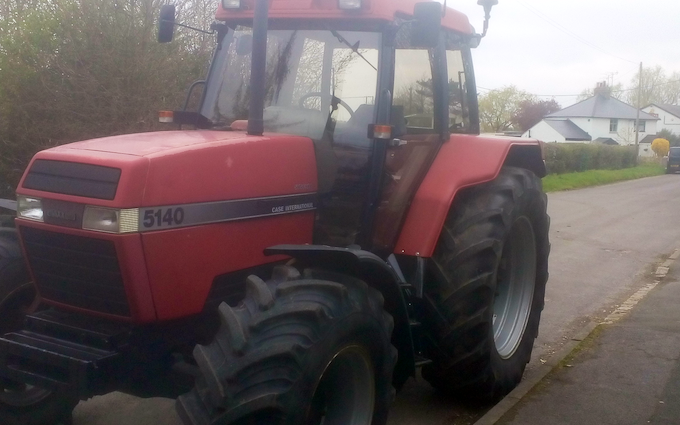 Richard agriculture contractor with Tractor 100-200 hp at Woodland View