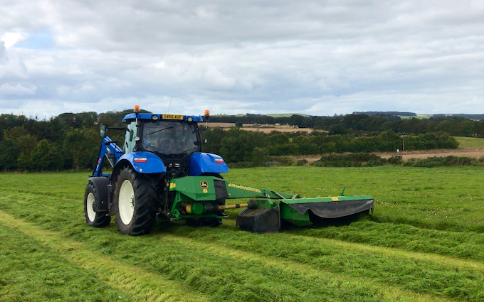 Dubby agri with Mower at Newburgh
