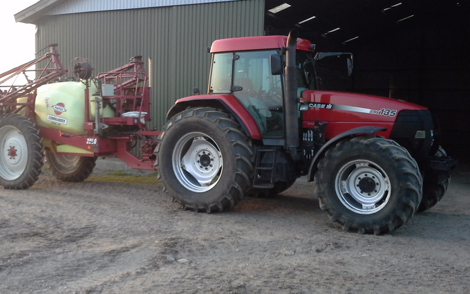 Ph agro med Traktor 101-200 hk ved Tjele