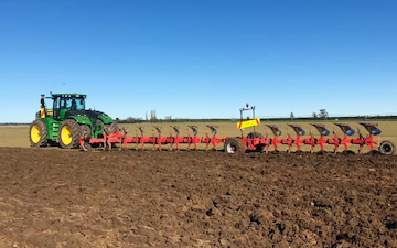 Roger smith contracting  with Plough at Ashburton