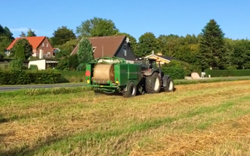 Brunbjerg agro med Wrapballepresser ved Gilleleje