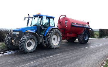 P j pengelly agricultural contracting  with Slurry spreader/injector at Blackawton