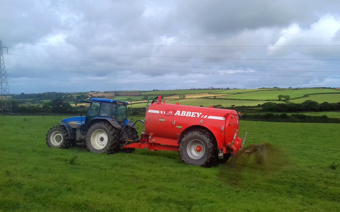J&j kerkin contractors  with Slurry spreader/injector at Newquay
