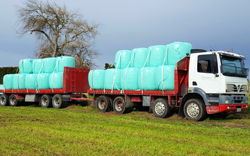 Jackson contracting  with Flat trailer at Tauhei