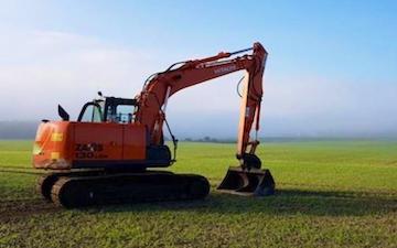 Dampneys ltd with Excavator at Parley Green Lane