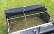 Ll vindinggård med Græsslåmaskine ved Vejen