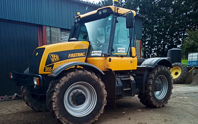 Jenx plant ltd with Tractor 100-200 hp at Clos Cefn Bryn