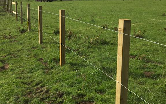 Jj&mbcontracting with Fencing at Westerleigh