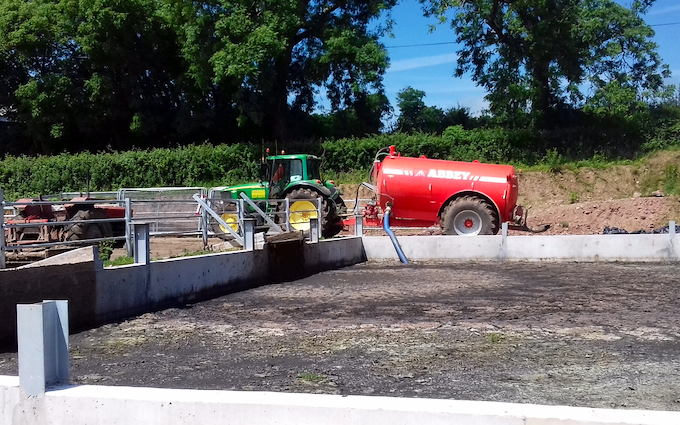 Seggons contractors with Slurry spreader/injector at Loxhore
