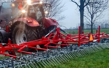 Aakerhjelms landbrugs services med Halmstrigle ved Hejnsvig