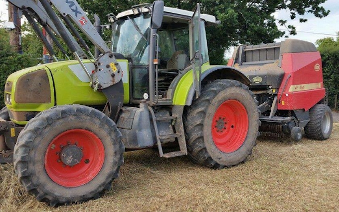 G w farming  with Round baler at Rock