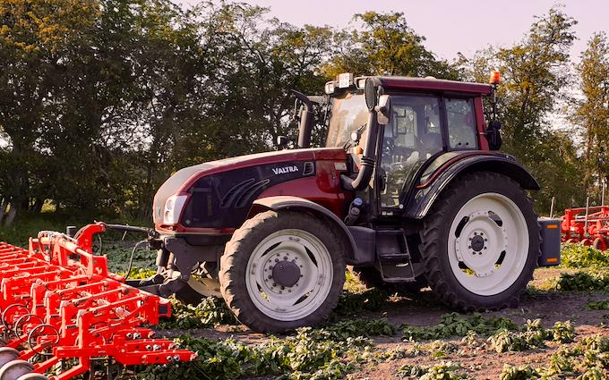 Christian rabølle  med Traktor 101-200 hk ved Slagelse