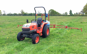 Crwagri with Tractor-mounted sprayer at Aubourn