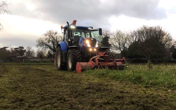 Wealden farm and equine with Tractor 100-200 hp at Bethersden