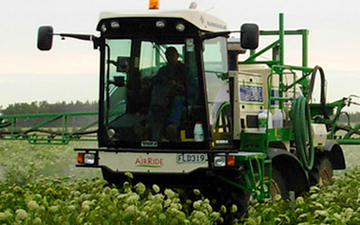 Hide spraying ltd with Self-propelled sprayer at Fernside