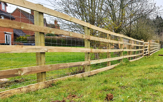 Acc contracting with Fencing at Bramley