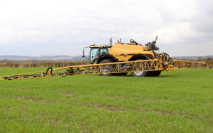 N a garford & sons with Self-propelled sprayer at Maxey