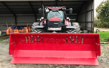 Kjellerup agro 2017 a/s med Traktor til stakkørsel ved Ejstrupholm