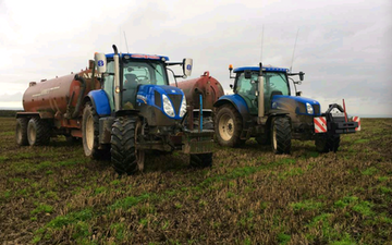 Wardagri with Slurry spreader/injector at United Kingdom