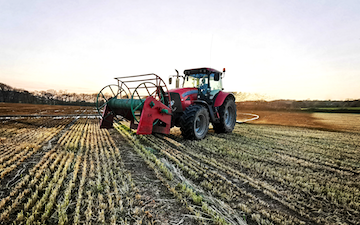 Chris buse contracting with Slurry spreader/injector at Middlecott