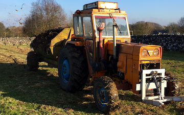 Bonsall agriculture services  with Manure/waste spreader at Alsop en le Dale