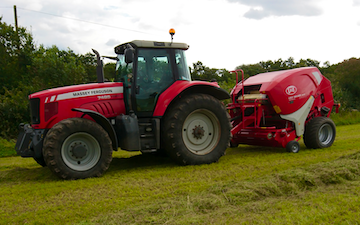 Jamie thomson with Round baler at Hemyock