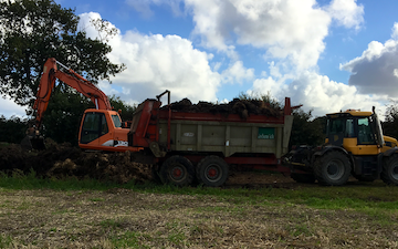 B j goose digger hire ltd  with Manure/waste spreader at United Kingdom