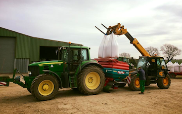 Haydn wesley & son ltd with Fertiliser application at Millthorpe Drove