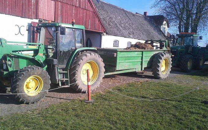 Nielsens entreprise & maskinstation med Møgspreder ved Ringsted