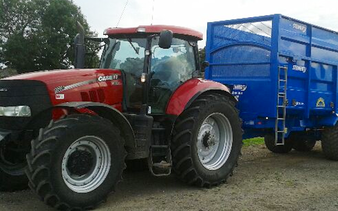 Kirman agricultural services ltd  with Tractor 100-200 hp at Keelby