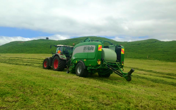 Hinton contracting ltd with Baler wrapper combination at Stratford