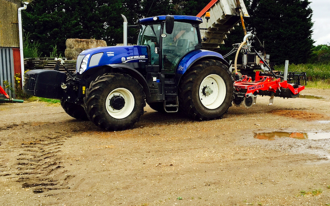 Harp contracting  with Tractor 201-300 hp at Mavis Enderby