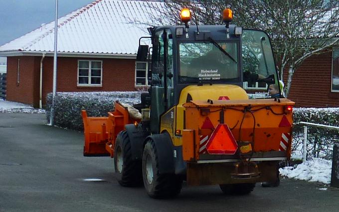Holmsland maskinstation med Minilæsser ved Ringkøbing