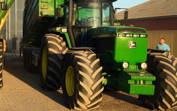 Lystrup og jomfruens egede godser med Traktor 101-200 hk ved Faxe