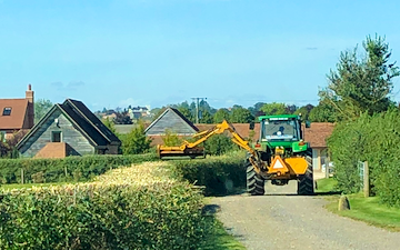Hr contracting & sons with Hedge cutter at Bidford-on-Avon